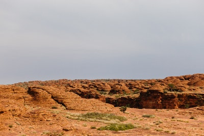 A horizon of dome rock formations