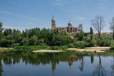 Salamanca Cathedral over the river